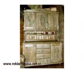 Kredens w starym stylu - drewniany, ręcznie rzeźbiony