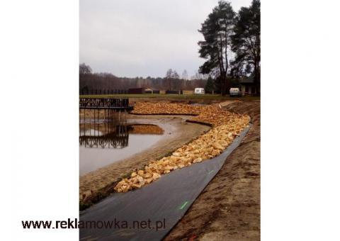 Kamień na skarpy brzegi umocnienie stawu rzeki oczka wodnego