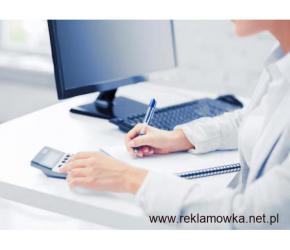 Praca biurowa na komputerze do przyuczenia