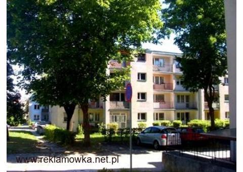 Mieszkanie 46 m kw. kuchnia duża,2 pokoje,balkon,piwnica,boks.,blok z cegły. Piotrków Trybunalski