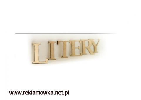 litery ze sklejki