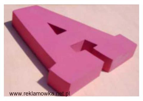 litery ze styroduru